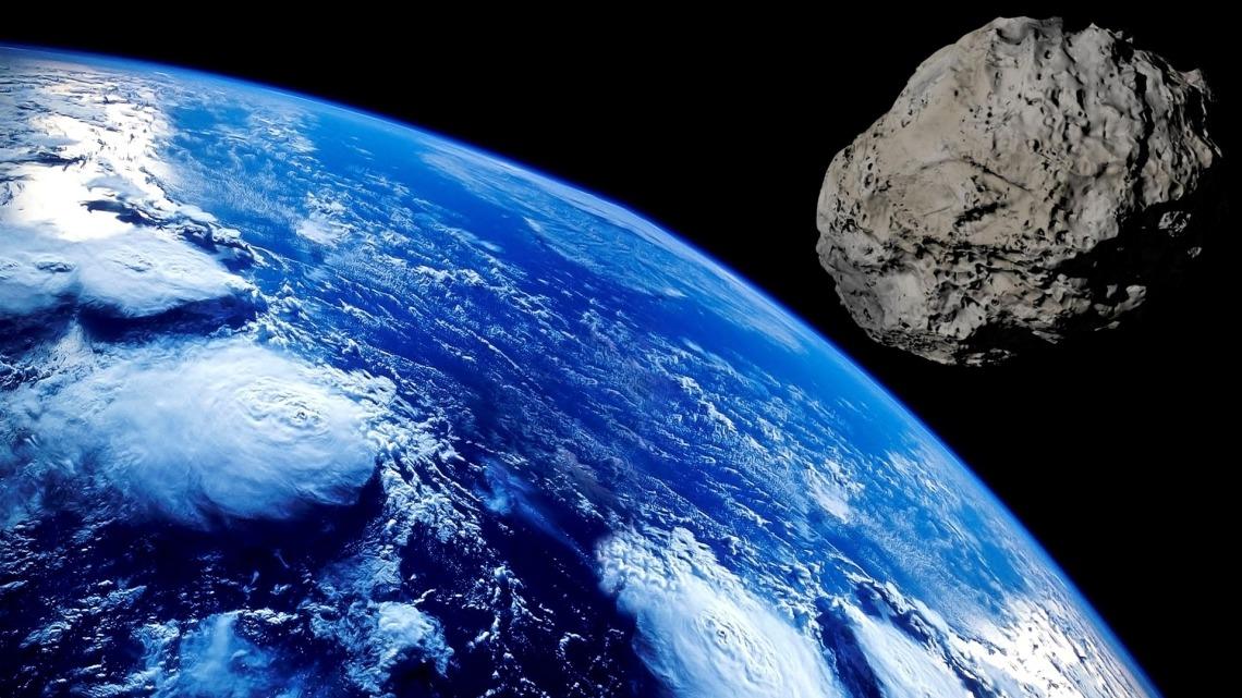 asteroid-3642332_1920